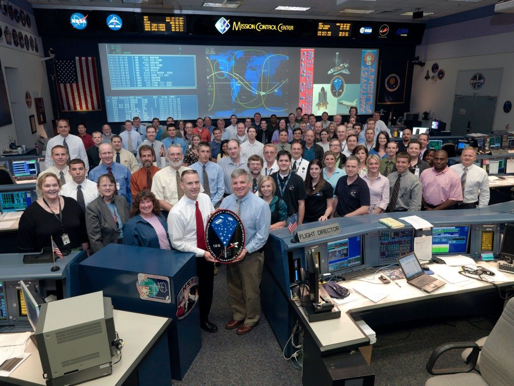 STS-125 entry flight control team – with HYTHIRM members in the crowd in mission control